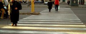 risarcimento anziana signora invesita strisce pedonali